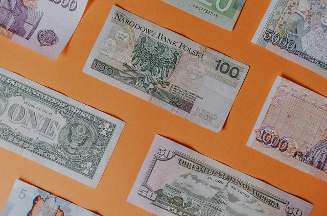 Leżące banknoty